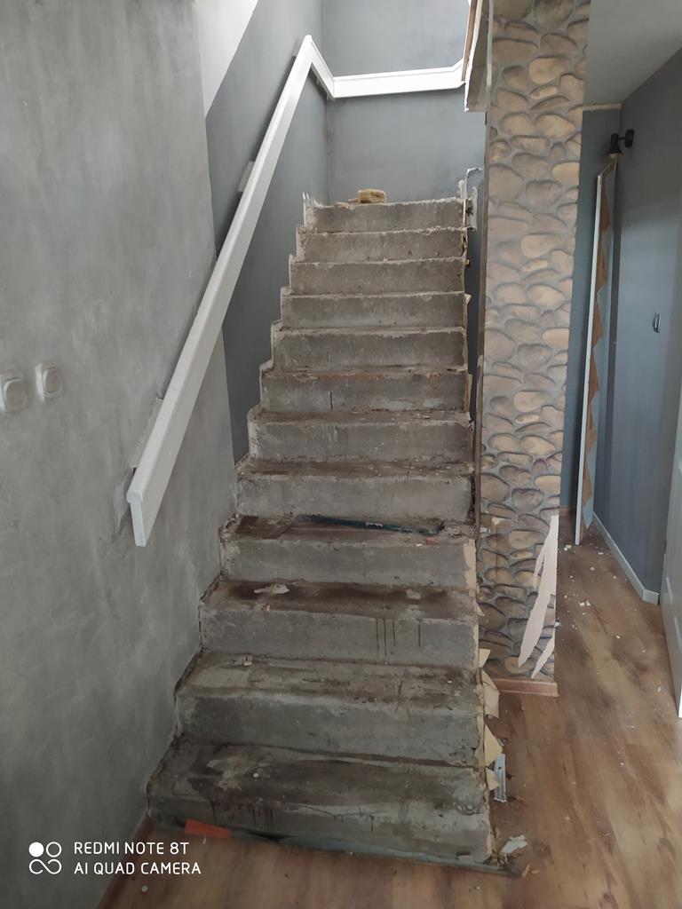 IMG 20210517 094735 renowacja schodow - Montaż Klimatyzacji